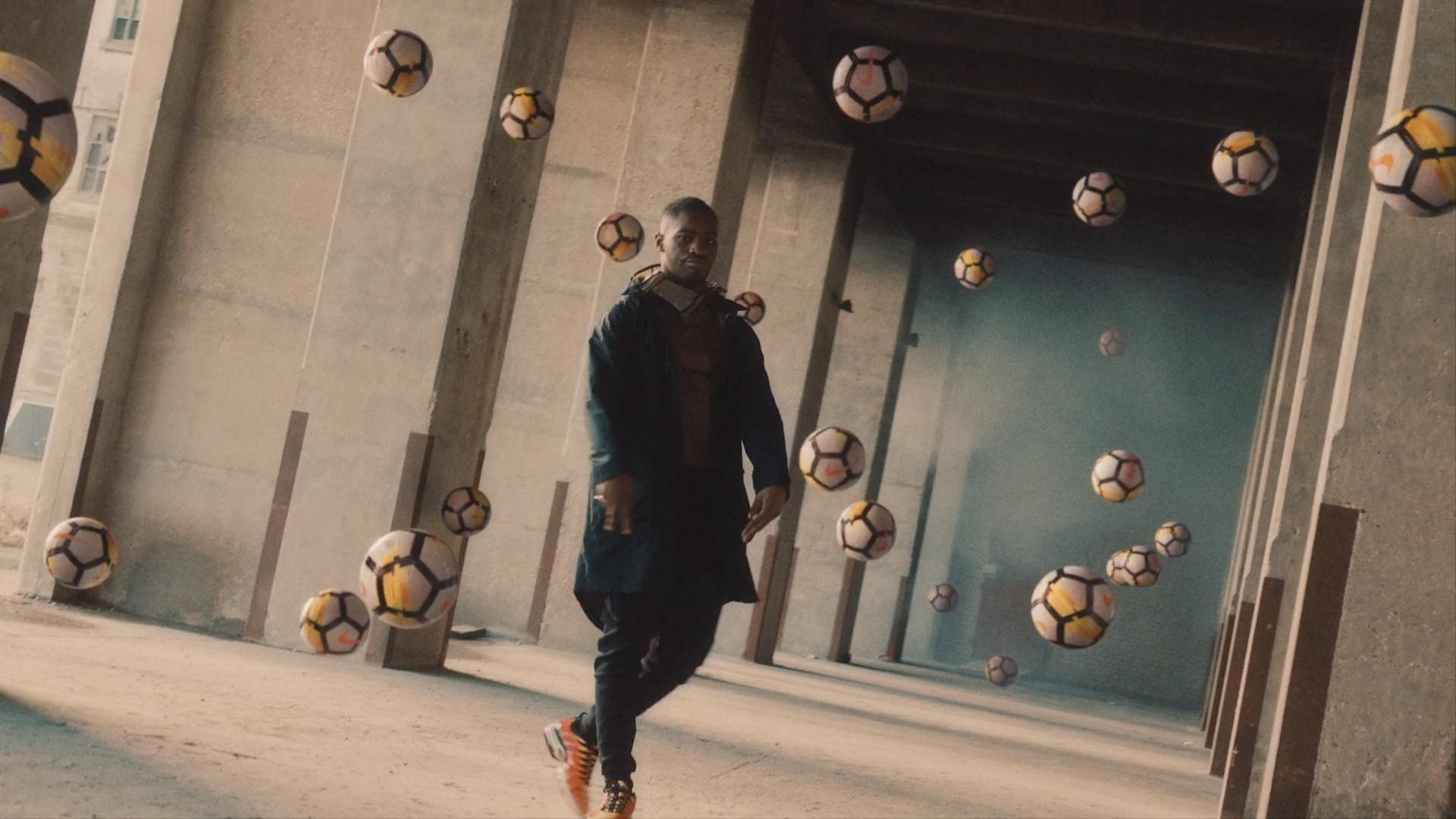 """Screenshotter–NikeBornMercurialfromManvsMachineonVimeo-0'42"""""""